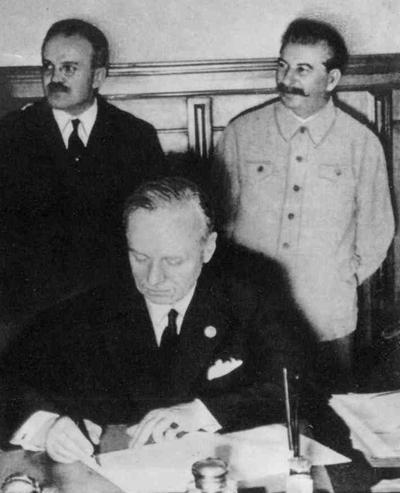 nazi soviet pact essay